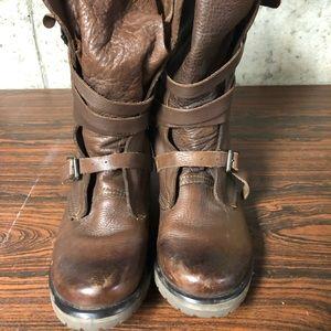 Steve Madden boot
